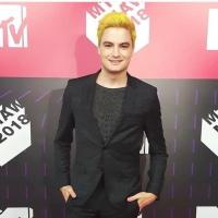Com fama de chato, Felipe Neto é vaiado no palco de premiação da MTV